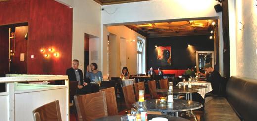 Schwarzes Cafe interior
